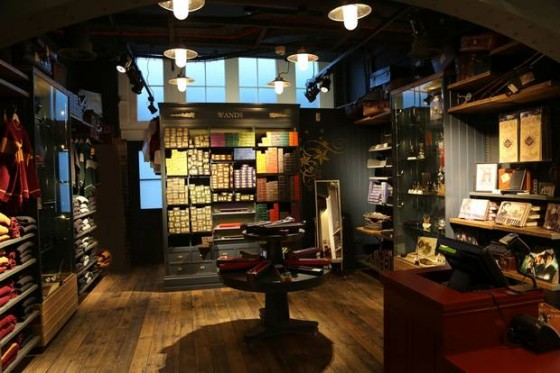 Harry+Potter_Shop+Interior-560x373