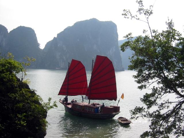 Junk_Halong_Bay_Vietnam