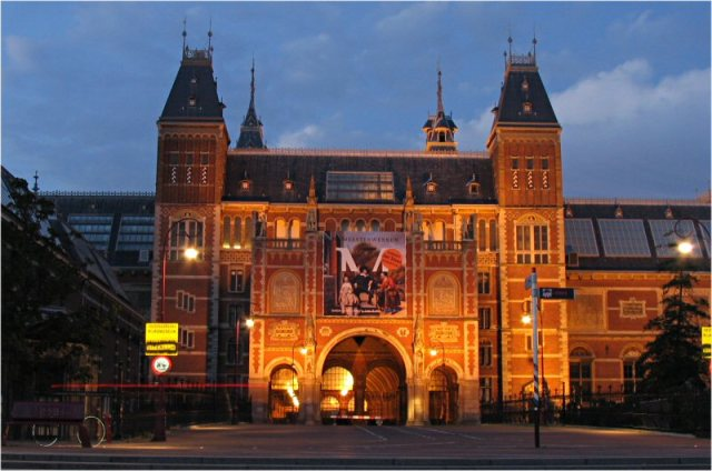 M01-rijksmuseum_night