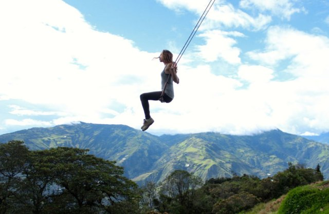 swing-at-the-end-of-the-world-soars-over-tungurahua-volcano-designboom-03