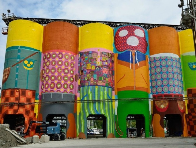 Os-Gemeos-Giants-for-Vancouver-Biennale5