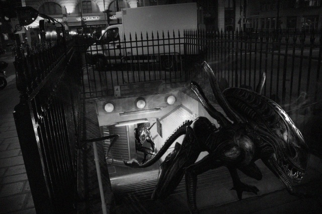 golem13-monstres-Aliens-Bourse-2