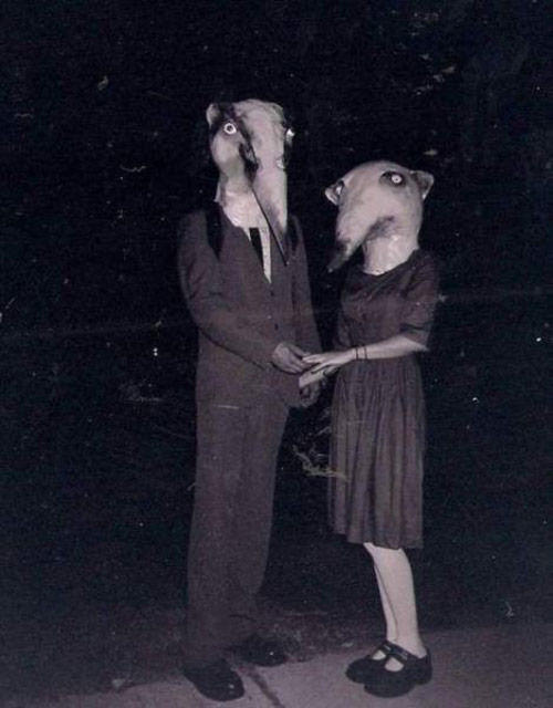 Incredibly Bizarre Vintage Halloween Costumes (20)