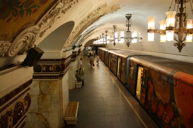 Museum_train_on_the_Moscow_Metro