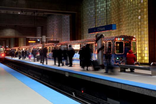 chicago holiday train cta 2 528x352 - Christmas Train Chicago