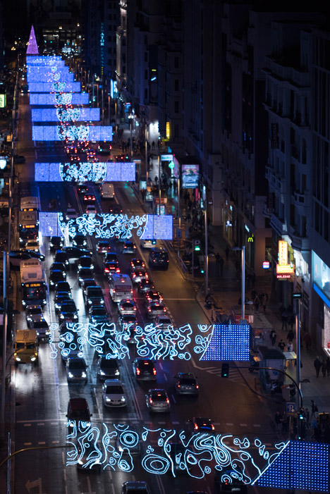 Moon-Madrid-Christmas-Lights-by-Brut-Deluxe_dezeen_468_9