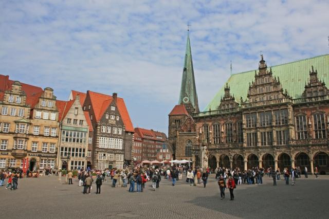2011-04-29-market-square-bremen-germany