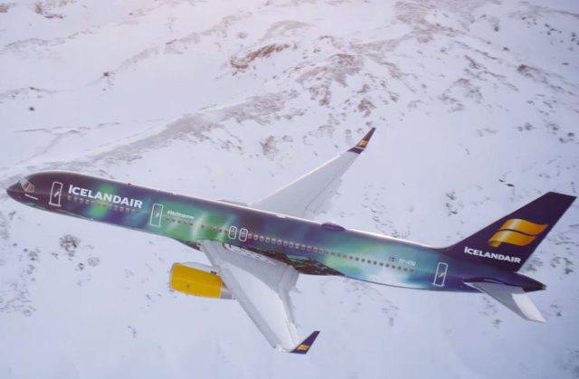 Icelandair-Lentokone-Hekla-Aurora-Youtube-Icelandair