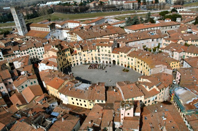 2013-11-05-10-45-34-lucca_