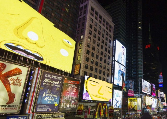 os-gemeos-times-square-midnight-moment-parallel-connection-designboom-04