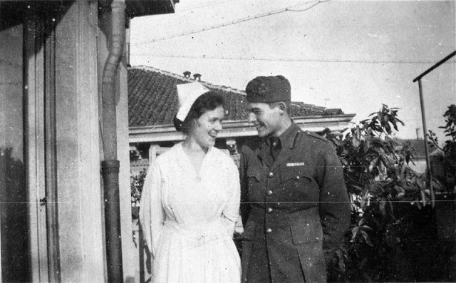 10-Agnes-von-Kurowsky-and-Ernest-Hemingway
