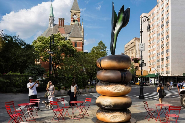 hanna-linden-everything-bagel-sculptures-new-york-designboom-02