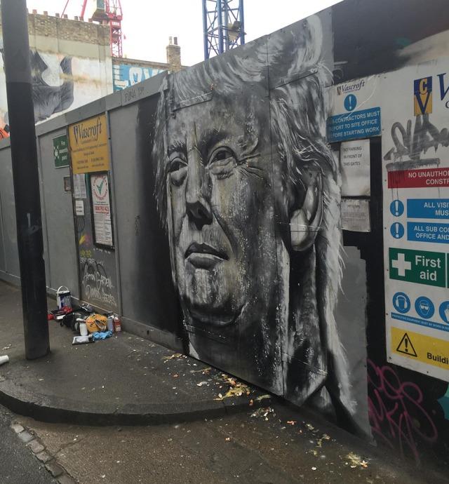 Donald_Trump_egged_mural