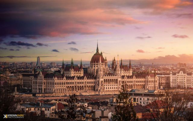Budapest-Photos-in-Colorful-Artistic-style-by-Krnn-Imre1-png__880