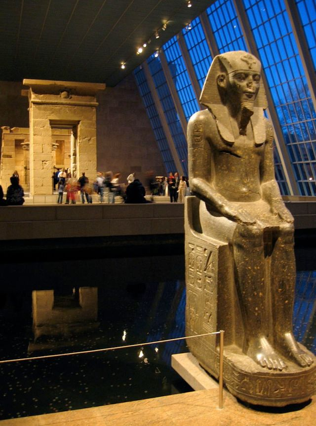 800px-Egypt_-_Temple_of_Dendur_2