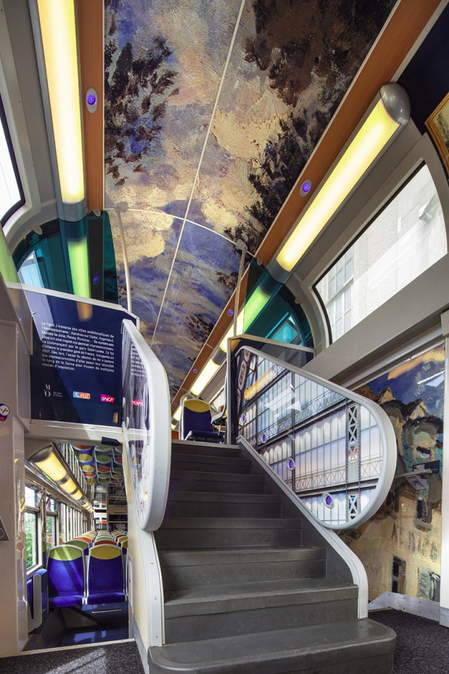 impressionist-art-public-trains-france-designboom-08