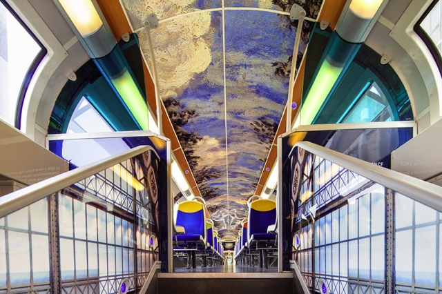 impressionist-art-public-trains-france-designboom-09