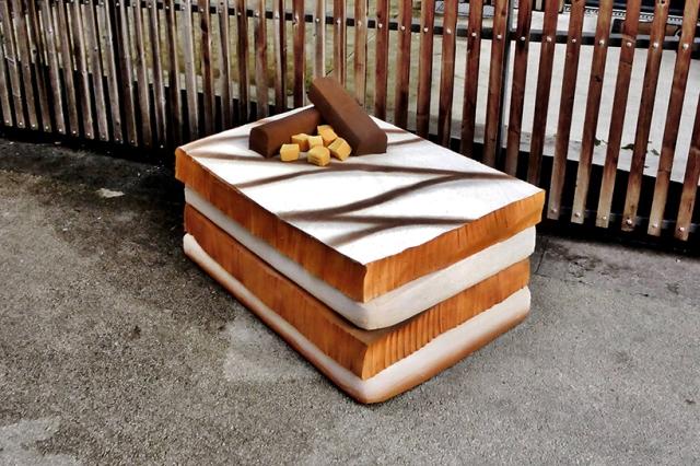 lor-k-french-artist-street-food-discarded-mattresses-designboom-013