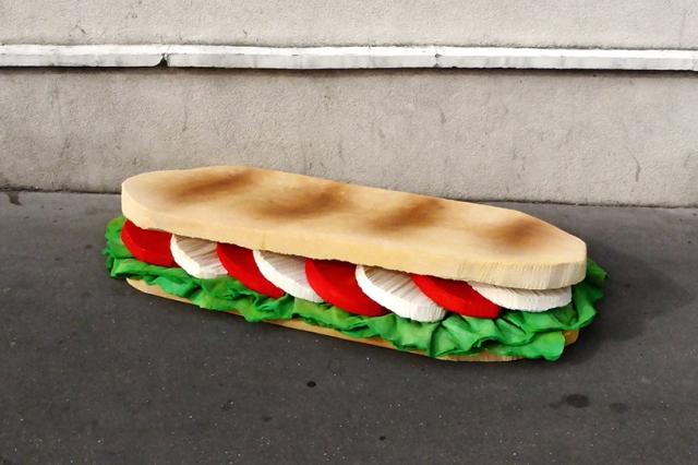 lor-k-french-artist-street-food-discarded-mattresses-designboom-06