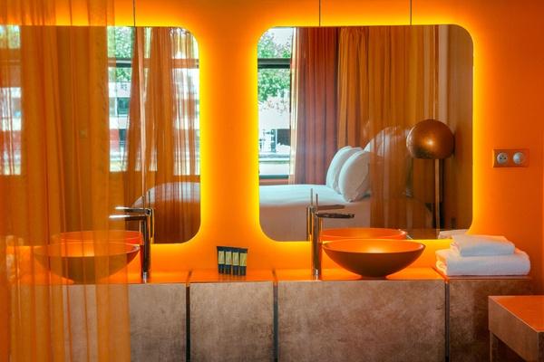 OFF-Seine-Paris-orange_big