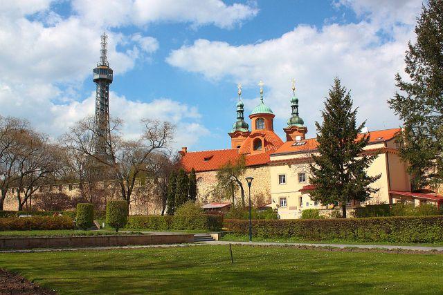 la-piccola-torre-panoramica-di-praga-andrea-lessona