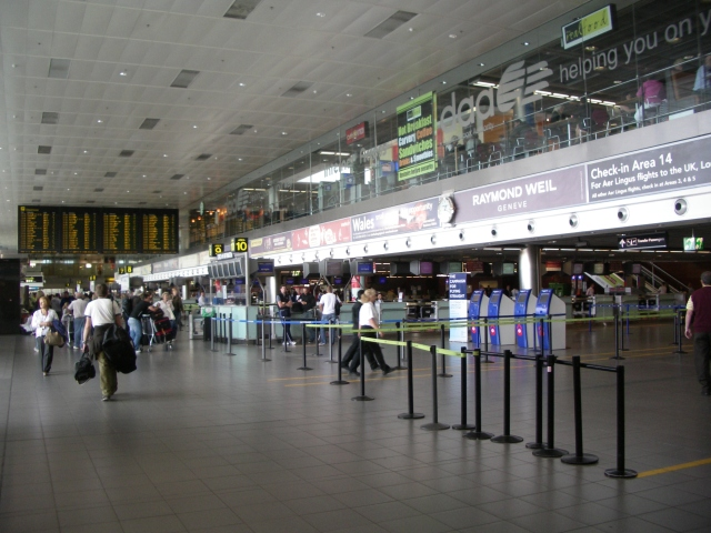 dublin_airport_terminal_1_departures_level