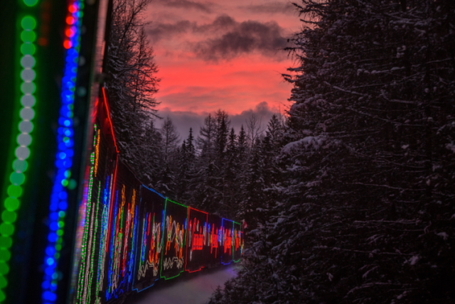 neil-zeller-photography-holiday-train-9