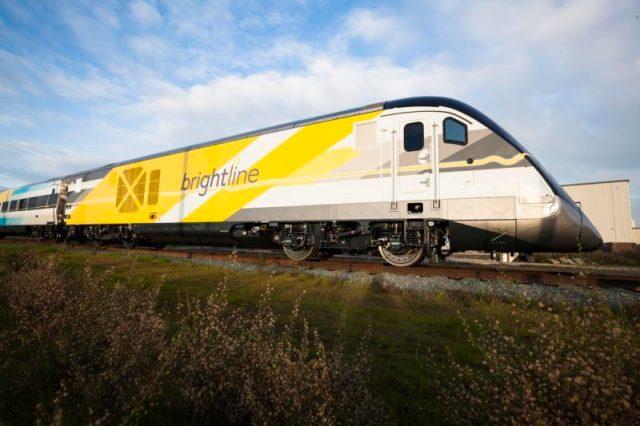 1-brightline-train-on-track-new-1-e1481914602502
