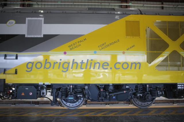 111216-biz-brightline-5